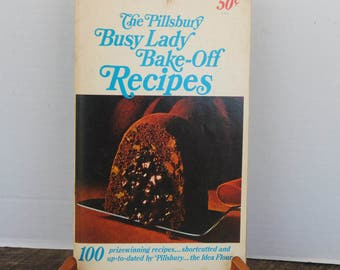 Vintage The Pillsbury Busy Lady Bake-Off Recipes Cookbook 1966
