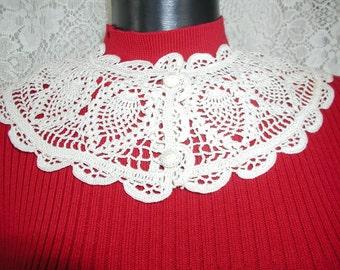 Vintage Crocheted Collar... Handmade Vintage Collar