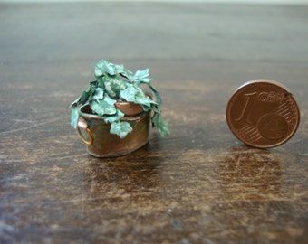 Miniature for dollhouse copper tub with ivy plant
