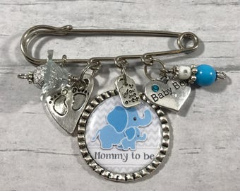 Baby Shower Corsage, Grandma To Be, Mommy To Be Pin, Aunt To Be Gift, New Baby Key Chain, Baby Shower Pin, Baby Sprinkle, Baby Favors, Boy