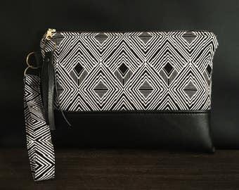 Wristlet Wallet - Fabric Clutch - Handbag - Fabric Clutch - Shopping Bag - Boho Style - Geometric - Clutch - Travel Bag
