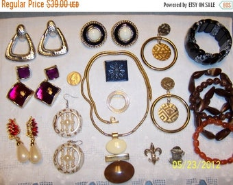 EVERYTHING 20% OFF, Vintage Jewelry Lot 55. Big and Bold XVI.
