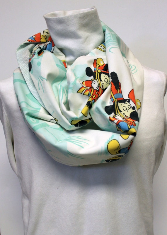 Vintage Mickey Mouse Women's infinity Scarf with Pocket