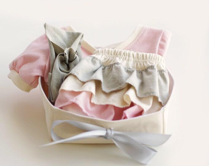 Organic Baby Girl Welcome Home Gift Basket / Baby Shower Gift / Organic Baby Gift Set / Tunic - Ruffled Diaper-cover- Headband - Basket