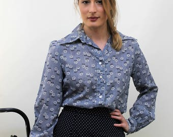 1970s Navy and White Floral Shirt Size UK 10, US 6, EU 38