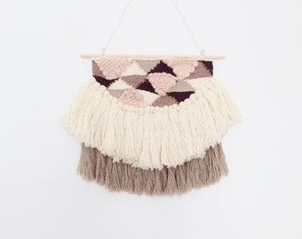 Medium Triangle Weaving / Hand Woven Wall Hanging / Woven Tapestry