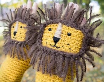 Lion Fingerless Gloves ~ Handmade