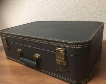 Vintage suitcase | Etsy