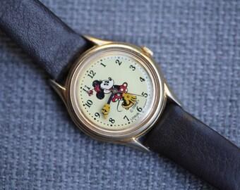 Vintage Minnie Mouse Quartz watch gold tone case brown leather band