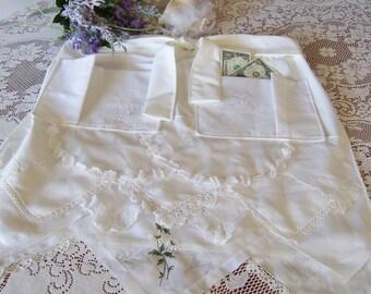 Dollar Dance Wedding Apron, Bride's Apron from Vintage Handkerchiefs, Wedding Reception Money Dance, Something Old Gift, Ready to Ship