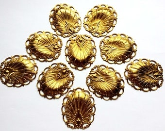 Vintage Brass Shells, 10 Piece, Rare Old Stampings, Shell Pendants, Old Rare Gilt Brass, US Made, 49x43mm, B'sue Boutiques, Item02852