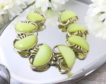 Coro Pegasus Vintage Lemon Yellow Thermoset Bracelet. Signed Coro Bracelet. Thermoset Bracelet. Space age bracelet. Mod Bracelet.