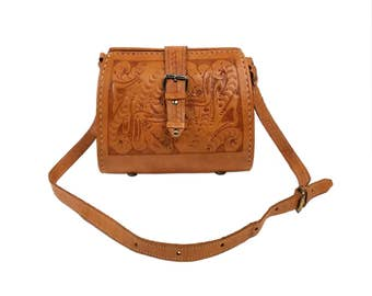 Vintage Hand Tooled Leather Shoulder Purse, Made in Paraguay // Brown Vaquetta Leather, Adjustable Cross-Body Strap Boho Hippie Festival Bag