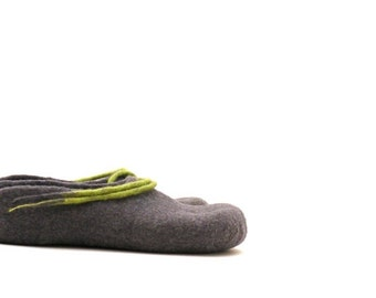 Women felted wool slippers - handmade wool clogs - grey green felt slipper - made to order - Valentines gift - gift for her - house shoes