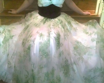 RARE! Gone With the Wind. BBQ barbeque dress green floral gown costume scarlett o'hara pegee of Williamsburg. XS. civil war reenactment