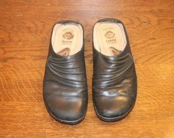 Size 6,leather slip ons,earth spirit,size 6 womens shoes,slip on shoes,slip ons,slip ons 6,womens clogs,eur 37,womens shoes 6