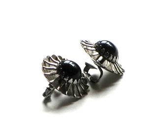 Sarah Coventry Black Beauty Silver Sunburst Earrings Atomic 1960s Faux Onyx Mid Century Modern Clip Ons