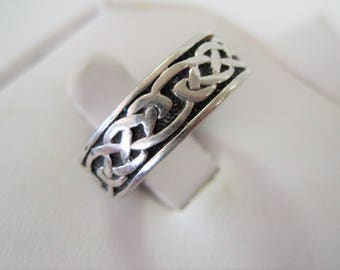 Sterling Celtic Wedding  Ring - Celtic Knot Band - Vintage Sterling Signed - Maker's Mark - Irish Ethnic Jewelry