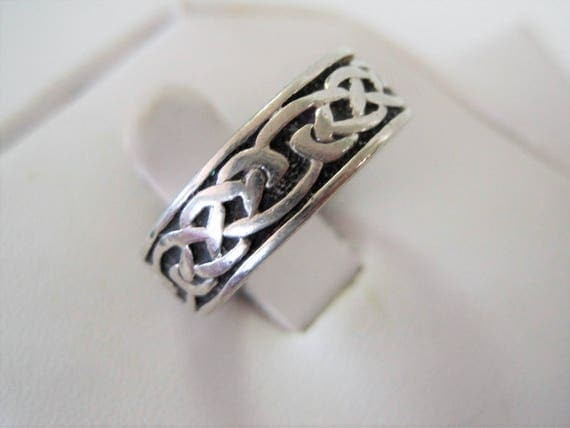 Sterling Celtic Wedding  Ring - Celtic Knot Band - Vintage Sterling Signed - Maker's Mark - Irish Ethnic Jewelry