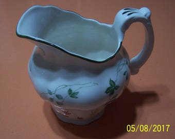 "Royal Doulton "" The Majestic Collection"" 1982 Pitcher"