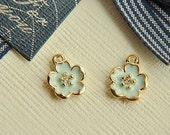 10pcs  gold  alloy diamond flower pendant accessories
