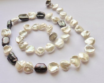 Pearl necklace Keshi pearls real pearls black and white