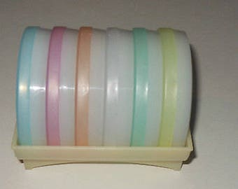 Vintage Complete Tupperware Pastel Wagon Wheel Coaster Set of 6 W/ Cradle Holder