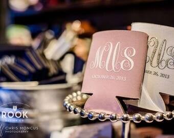 Script Monogram Wedding Can Cooler, elegant wedding favor, custom monogram, Fancy wedding beer sleeve, stubby holder monogram - 150 qty