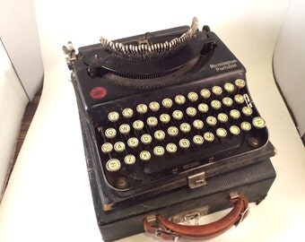 Remington Portable Model 5 Typewriter - Display