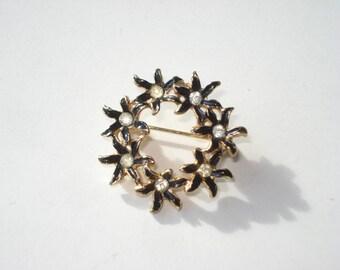 Vintage Gold Wreath Rhinestone Brooch -  Round Gold Tone Flower Pin - Retro Costume Jewellery - 1980s