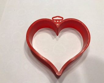 large Heart Vintage plastic cookie cutter, 4 inch (R4)
