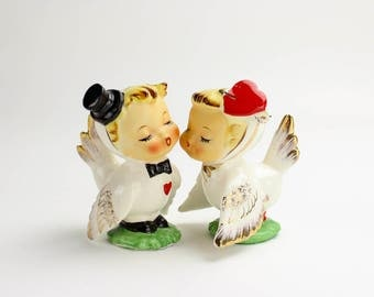 Vintage Wedding Cake Topper, MINT,  Napco Lovebirds Salt Pepper Shakers, Romantic Topper, Unique, Wedding Cake, Anthropomorphic Epsteam 1