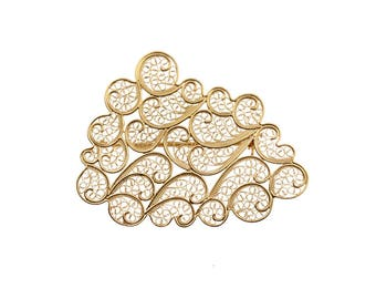 Cloud brooch in gold plated silver