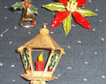 Lot of 3 VINTAGE CHRISTMAS PINS  Lamp, Bell and Poinsettia Brooches.  Excellent condition