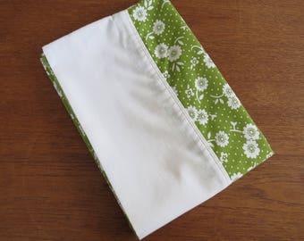 "Vintage Pillowcase - Green & White Floral - 29"" x 20"""