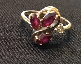 Ruby and Diamond Ring set in Yellow Gold, Size 5