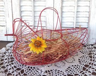 Vintage Wire Chicken Basket / Red Egg Basket / Farmhouse Basket / Cottage Chic Kitchen