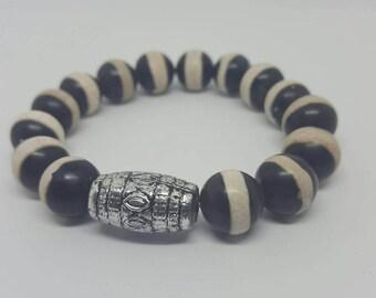 Black and White Strip Beaded Bracelet