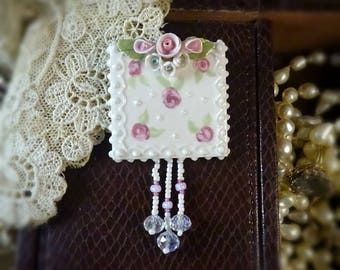 Brooch Cheerful Pink Roses and Lace