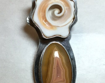 Showy Agate and Seashell Pendant