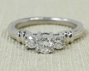 Radiant Meaningful Platinum Women's 0.45ctw Round Three Stone Past Present Future Diamond Engagement Anniversary Ring Sz 5.5 FREE SHIPPING!