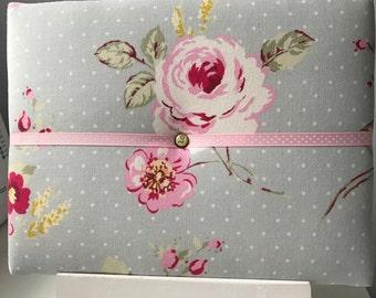 Floral mini noticeboard.