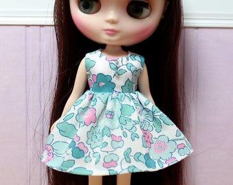 BLYTHE Middie doll Its my party dress - LIBERTY Betsy mint