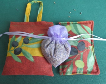 Lavender sachets.set of 3 sachets.French lavender. Gift with a heart.fabric from Provence, France.Gift for her.Olives in terra cotta.