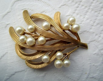 Trifari Goldtone Faux Pearl Pin Brooch Large Signed