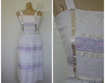 Sale Vintage Dress / 1970's Dress / Mexican Dress / Beach Dress / Embroidered Macrame Dress / Vintage Sundress  S