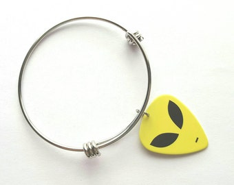 Alien Guitar Pick Adjustable Bangle - stainless steel - UFO - outer space