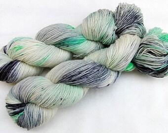 Handdyed SockYarn, 75 Wool, 25 Nylon 100g 3.5 oz. Nr. 720