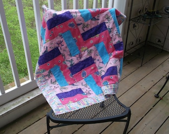 Cat Themed Baby, Crib, or Lap Quilt with Fleece Backing which is Great for Travel or Home or for Your Cat to Sleep on.