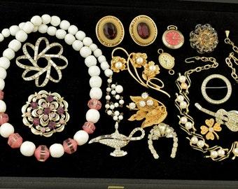 Vintage Costume Jewelry Lot Rhinestone Brooch Necklace Earrings ~ Lot 1162